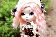Chi ♥ | by Siniirr Wigs, Kitty, Princess Zelda, Moon, Character, Little Kitty, The Moon, Kitty Cats, Kitten
