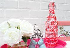 Valentine's Day Henna Jars | iLoveToCreate Easy Valentine Crafts, Valentine Wreath, Tulip Colors, Painted Wine Bottles, Craft Projects, Craft Ideas, Vintage Home Decor, Henna, Jars