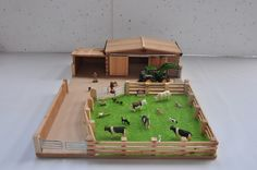 "Small Model Farm Yard. 2 Sliding Doors, Field, Steel Gates. Size Approx: Length 24"", Width 32"", Height 7"". Suitable for Scale: 1:32."