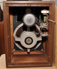 Klipsch Model H - 1960s, K-77 Tweeter, K-55-V Midrange, K-22 Woofer and Type C network Klipsch Speakers, Diy Speakers, Hifi Audio, Loudspeaker, Audio Equipment, Audiophile, Acoustic, Cabinet, 1960s