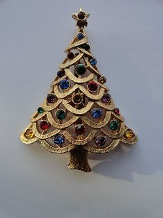 Vintage Brooch Pin Signed JJ Christmas Tree J J Rhinestone Gold Tone Jewels