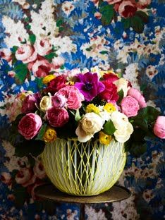 Fab wallpaper with beautiful flowers.