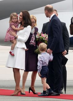 Kate Middleton Photos Photos - The Duke And Duchess Of Cambridge Visit Poland - Day 1 - Zimbio