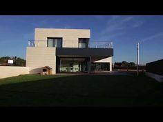 ¿Quieres conocer quienes son los mejores fabricantes de casas prefabricadas de hormigón en España? No te pierdas este artículo Willis Tower, Construction, Mansions, House Styles, Building, Club, Homes, 3d, Printed