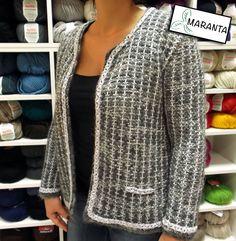 Cómo hacer chaqueta estilo Chanel a dos agujas. Patrón en: http://www.lanasmaranta.com/blog/como-tejer-una-chaqueta-estilo-chanel-a-dos-agujas/