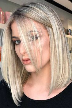 25 Best Flirty White Hair style For Shoulder Length Hair – Stylish white hair style design for shoulder length hair, white hair for short bob haircut, blunt short haircut, white hair color bob, messy white shoulder length hair style ideas Medium Hair Styles, Short Hair Styles, Gorgeous Hair Color, Brown Blonde Hair, Blonde Hair Over 40, Blonde Hair Long Bob, Blonde Long Bob Hairstyles, Blonde Hair Cuts Medium, Gray Hairstyles