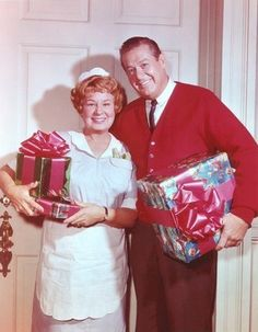 Rankin/Bass-historian: I love this Hazel episode! Who doesn't love Shirley Booth? Christmas Tv Shows, Christmas Past, Christmas Music, Vintage Christmas, Christmas Specials, Christmas Stars, Christmas Movies, Christmas Photos, Christmas Presents