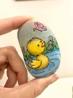 Best Indoor Garden Ideas for 2020 The number of internet users who are looking for… Rock Painting Patterns, Rock Painting Ideas Easy, Rock Painting Designs, Painting For Kids, Painted Rock Animals, Painted Rocks Craft, Hand Painted Rocks, Pebble Painting, Pebble Art