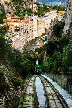 Montserrat, Barcelona España.                                                                                                                                                      Más