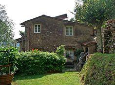Met je hond op vakantie in vakantiehuis Il Metatino met omheinde tuin in Camaiore, Lucca/Pisa - Toscane, in Italië.