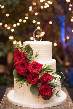 wedding cakes red Three tier wedding cake with red roses. wedding cakes red Three tier wedding cake with red roses. 2 Tier Wedding Cakes, Wedding Cake Red, Red Rose Wedding, Beautiful Wedding Cakes, Wedding Cake Designs, Beautiful Cakes, Gothic Wedding, Wedding Cakes With Roses, Rustic Wedding