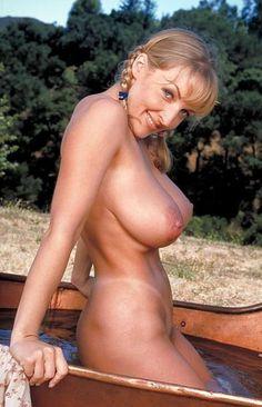 Figured brunett nudes full