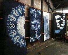 036 Tie Dye Folding Techniques, Shibori Techniques, How To Tie Dye, How To Dye Fabric, Textiles, Impression Textile, Textile Dyeing, Tie Dye Crafts, Shibori Tie Dye