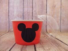 Mickey Mouse Birthday Party Paper Ice Cream Bowls These are great for ice cream, popcorn, treats, cupcakes, toys, fruit, vegs, Holds 8 oz Comes with a clear dome lid Other Colors are available for the