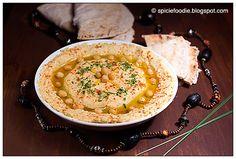 Hummus; Hummus without Tahini; healthy; healthy snack; tahini; chick peas; garbanzo beasn; vegan; vegetarian; legumes; low fat; spicie foodie; spicy food; spreads; dips; appetizer; pita bread; protein; lemon; meyer lemon; olive oil; garlic; recipe; easy; fast hummus; middle eastern food; arabic food; greek hummus,giveaway