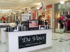 Da Vinci Cosmetics MAKEUP KIOSK STORE -Mall, the place to buy natural mineral makeup products that chemical free. Kiosk Store, Mall Kiosk, Kiosk Design, Signage Design, Environmental Graphic Design, Environmental Graphics, Japanese Poster, Exhibition Display, Animal Design