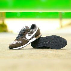 d0a9afdcc0d903 7 Popular Sepatu Sneakers Pria images