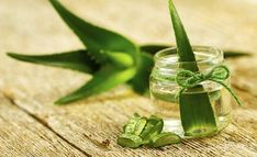 Remedies For Acne Aloe Vera For Acne: How To Use Aloe Vera For Treating Acne - Want to get rid of unsightly acne and pimples? Right time to get rid of those worst night nightmares by using aloe vera for acne. Aloe Vera Gel, Plantar Aloe Vera, Home Remedies, Natural Remedies, Ayurvedic Remedies, Ayurvedic Herbs, Health Remedies, Remedies For Glowing Skin, Comment Planter