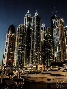 Dubai Marina Walk - I love when I have a picture on my camera that looks just like one on Pinterest, #dubai #uae