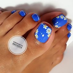 Try some of these designs and give your nails a quick makeover, gallery of unique nail art designs for any season. The best images and creative ideas for your nails. Simple Toe Nails, Pretty Toe Nails, Cute Toe Nails, Gel Nails, Nail Nail, Nail Polish, Nail Pink, Nail Art Blue, Acrylic Nails