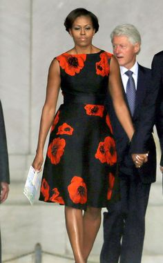 Floral Fashion de Michelle Obama's Best Looks  Michelle Obama wore a black Tracy Reese dress with big red floral print to the Let Freedom Ring ceremony, and of course, she looked just as stylish as ever!