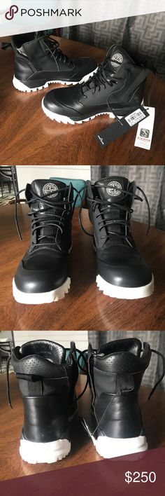 Stone Island urban ankle combat boots Euro 42 STONE ISLAND X DIEMME MEN SHOES COMBAT BOOTS ANKLE BOOTS 6515S0366 Retail $433 New in box Handmade in Italy Size 42 Badass and gorgeous! Stone Island Shoes Boots