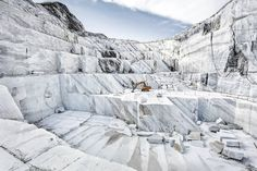 For Sale on - Marmo di Carrara - large format photograph of iconic Italian marble quarry, Archival Paper, Photographic Paper, Archival Pigment Print by Frank Schott. Offered by Edition EKTAlux. Italian Marble, Italian Art, Jeff Wall, Stone Quarry, Marble Stones, Carrara Marble, Contemporary Landscape, Birds Eye View, Print Artist