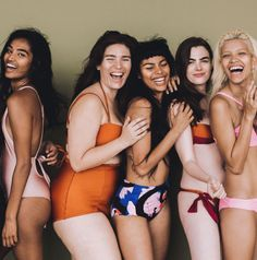 Models Iskra Lawrence, Barbie Ferreira, Charli Howard Launch a Body Positive Campaign Poses, Cover Shoot, Barbie Ferreira, Real Bodies, Magazine Mode, Steampunk Cosplay, Mario Testino, Legging Outfits, Body Confidence