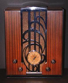 Zenith S-829 Chrome-Front Tombstone Radio (1935)
