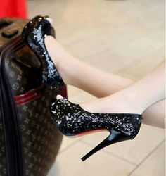 Hot Heels - Secrets of stylish women