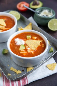 Mexican tomato soup with nachos - Brenda Kookt! Side dish - Mexican tomato soup with nachos – Brenda Kookt! Chowder Recipes, Soup Recipes, Cooking Recipes, I Love Food, Good Food, Yummy Food, Lunch Recipes, Mexican Food Recipes, Ethnic Recipes