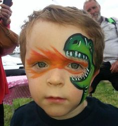 awesome face painting ideas for kids un maquillage de fte pour enfant ! Dinosaur Face Painting, Dragon Face Painting, Face Painting For Boys, Face Painting Designs, Painting Patterns, Body Painting, Clown Face Paint, Face Painting Tutorials, Painting Tips