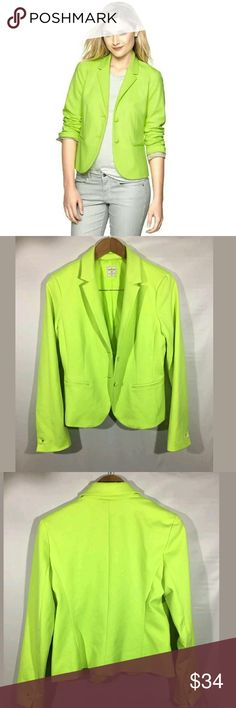 GAP Academy Blazer Women's SZ 8 Lined Highlighter GAP Academy Blazer Women's Size 8 Lined Highlighter Active Yellow   Excellent used condition.  19 inches pit to pit. 34 inch waist. 23.5 inches long.  Pre-owned item condition. Item has little to no signs of wear unless specifically stated. Please carefully review item details and uploaded pictures for details of this item before bidding or buying. Item is functional and ready for your closet!      LB GAP Jackets & Coats Blazers