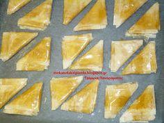 Με κανέλα και πινέλα: Τα βελούδινα τρίγωνα Πανοράματος Pineapple, Fruit, Cake, Desserts, Recipes, Blog, Tailgate Desserts, Pinecone, Deserts