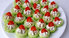These impressive little Cucumber Bites Appetizers Recipe are fantastic for a number of reasons. Beautifully colored, taste great and still have essential nutrients. Cucumber Appetizers, Cucumber Bites, Yummy Appetizers, Appetizers For Party, Appetizer Recipes, Thanksgiving Appetizers, Easy Summer Appetizers, Girls Night Appetizers, Vegetarian Appetizers