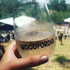 📸from @courtneyroserobinson @woodfordfolkfestival today with some @sidewoodestate to help decree the burning @queensland ☀️ over 10,000 #globelet have been washed and reused today #reusablecup #woodford