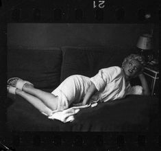 """""""Marilyn Monroe on the set of The Seven Year Itch, """" Hollywood Icons, Hollywood Star, Golden Age Of Hollywood, Hollywood Glamour, Classic Hollywood, Marylin Monroe, Young Marilyn Monroe, Marilyn Monroe Photos, 7 Year Itch"""