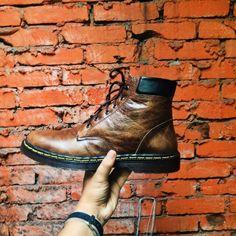 Pre order sepatu kulit handmade cibaduyut Pengerjaan 7-10 hari IDR 350k  More info bbm : 5518CBC9 or WA : 08562070423