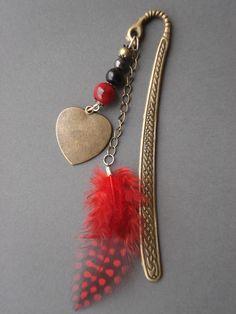 Marque pages bijoux grand format de 12cm en métal bronze et plume de perdrix rouge : Marque-pages par couleur-nala