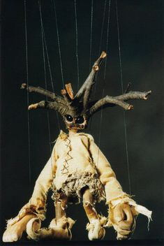 ツ/ His Name Is Xylon Chiros, Mistletoe Marionette. In Root Greek: Xylon - Wood & Chiros - Hand. From An Old Encyclopedia Of Horticulture. His Birthday Is His Head Is Made From A Mis. Puppet Costume, Marionette Puppet, Old Encyclopedias, Puppet Show, Puppet Making, Shadow Puppets, Weird Creatures, Stop Motion, Macabre