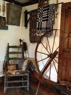 I have a Spinning wheel (great great grandmother and her and woven coverlets .looks a lot like this one~♥~ Primitive Living Room, Primitive Homes, Primitive Furniture, Primitive Antiques, Country Primitive, Primitive Decor, Primitive Christmas, Christmas Decor, Country Sampler