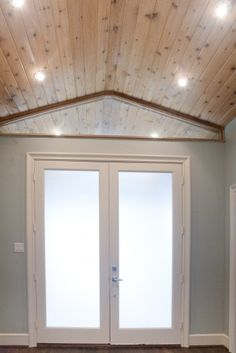 Pine Ceiling.  Very knotty.