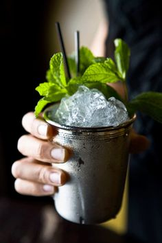Mint Julep recipe___            Scale ingredients to   servings    4 fresh mint sprigs  2 1/2 oz bourbon whiskey  1 tsp powdered sugar  2 tsp water    Muddle mint leaves, powdered sugar, and water in a collins glass. Fill the glass with shaved or crushed ice and add bourbon. Top with more ice and garnish with a mint sprig. Serve with a straw. Enjoy!