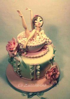 Bubble bath in a cup Cake art