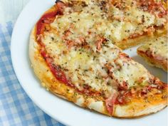 When one is illiberal to gluten or milk proteins, the pizza . When one is illiberal to gluten or milk protein, pizza is usually solely a obscure reminiscence. Learn to make a very good dough and rediscover the pleasure with this straightforward recipe. Lactose Free Recipes, Raw Food Recipes, Veggie Recipes, Vegetarian Recipes, Cooking Recipes, Healthy Recipes, Vegan Food, Pizza Sans Gluten, Dairy Free Pizza