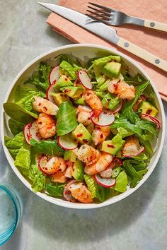 This quick and easy 15-minute salad recipe incorporates shrimp, avocados, radishes, scallions, lime and cilantro to create the ultimate seafood recipe. Whether you're eating this shrimp recipe for a snack, side dish, appetizer, quick and easy weeknight dinner, or packing it in a lunchbox as a school lunch for kids, it's a great choice for a seafood recipe.#healthyrecipes #shrimprecipes #seafoodrecipes #shrimpsalad Fresh Lime Juice, Fresh Ginger, Shrimp Recipes, Salad Recipes, Healthy Salads, Healthy Recipes, Shrimp Avocado Salad, Ripe Avocado, How To Cook Shrimp