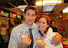 The Office: 25 Behind-The-Scenes Photos That Completely Change The Show Best Of The Office, The Office Jim, The Office Show, Jim Halpert, Best Tv Shows, Best Shows Ever, Office Cast, Office Jokes, Office Pictures