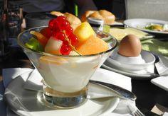 cafe hummel Panna Cotta, Restaurant, Ethnic Recipes, Food, Treats, Restaurants, Meals, Dining Rooms