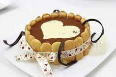 Tiramisu là sự kết hợp hài hòa giữa hương thơm của cà phê, vị béo của trứng, rượu nhẹ cùng kem phô mai