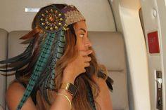 250ef94c052 Beyoncé exibe seu Apple Watch Edition exclusivo no festival Coachella